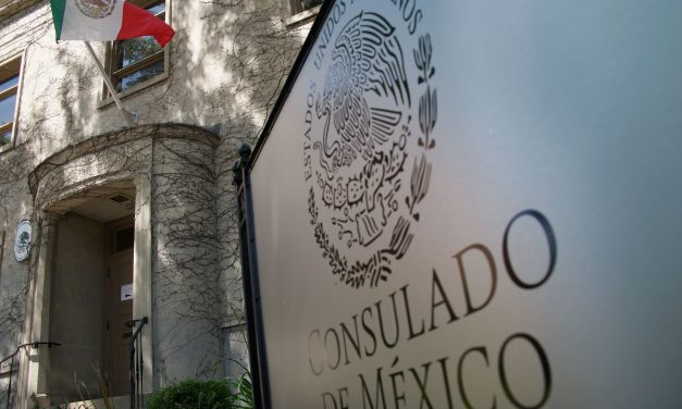Mexican Consulate cuts ribbon to start Milwaukee service