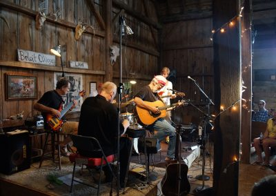 081416_ebbottsbarn_album_play_12