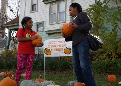 102916_pumpkinsnorth_1011