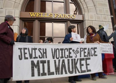 111516_wellfargoprotest_0579