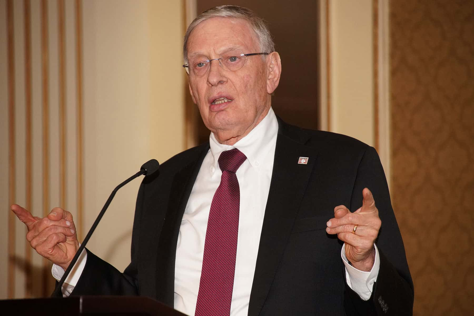 bud selig shares his love for history and baseball at mchs awards