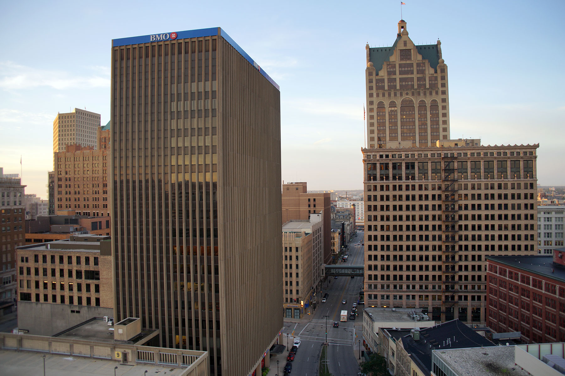 Bmo Harris Bank Marks Bicentennial With Donations To