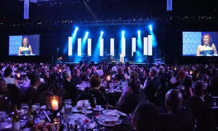 Ceremonial changing of the guard at Urban League's Black & White Ball