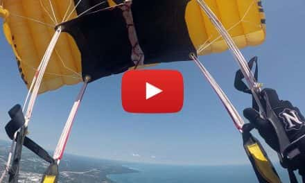 Video: U.S. Army Golden Knights parachute into Milwaukee Airshow