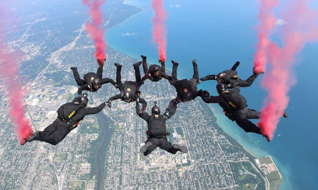 Airshow sees Army Parachute Team descend through the atmosphere