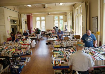 080517_hungerbooksale_158