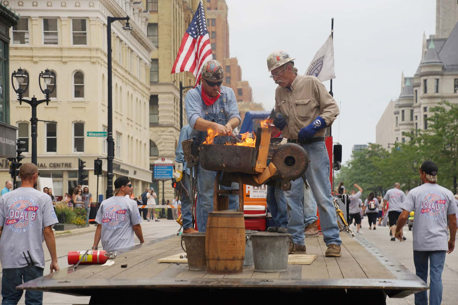 01_090417_labordayparade_0908