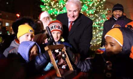 104th Annual Christmas Tree lighting begins Milwaukee's holiday season