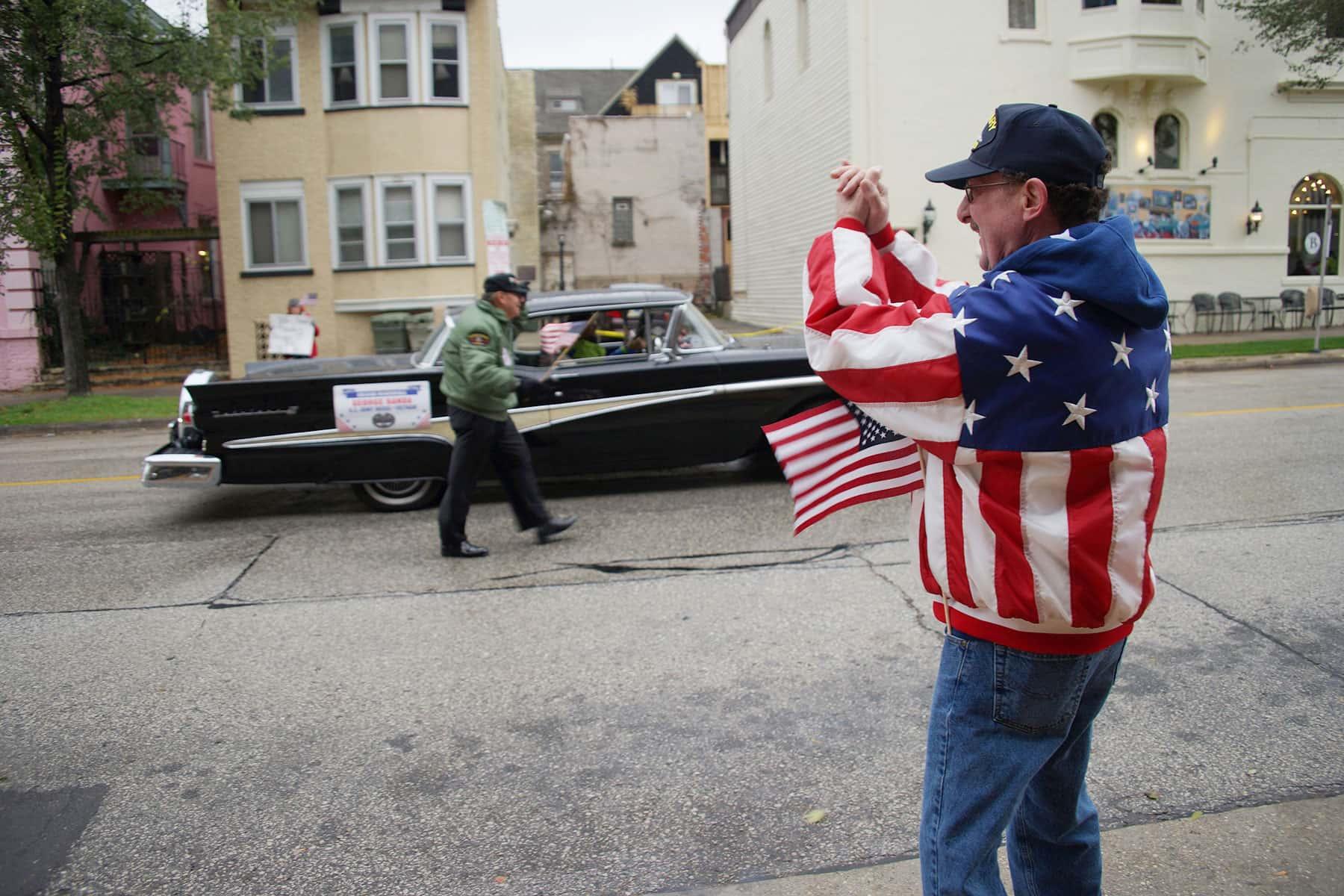 01_110417_veteransdayparade_0884