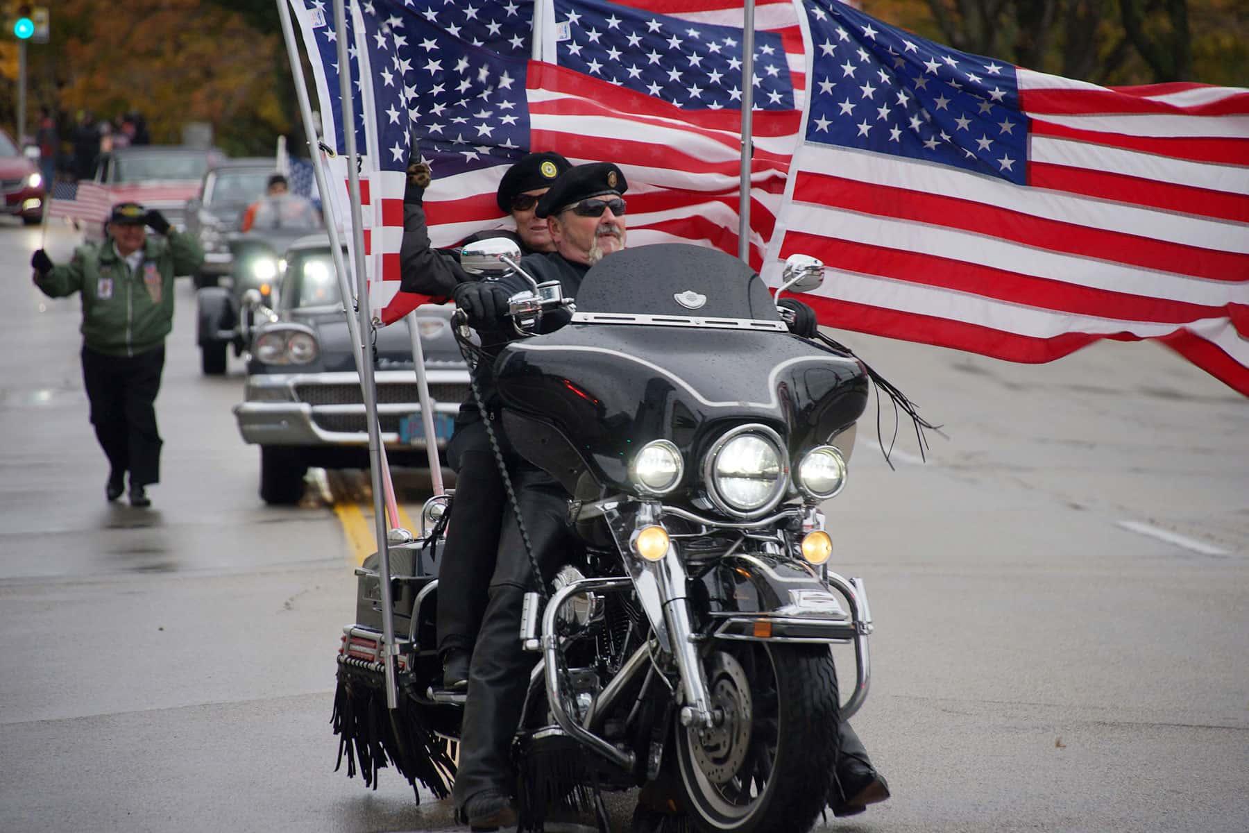 110417_veteransdayparade_0976