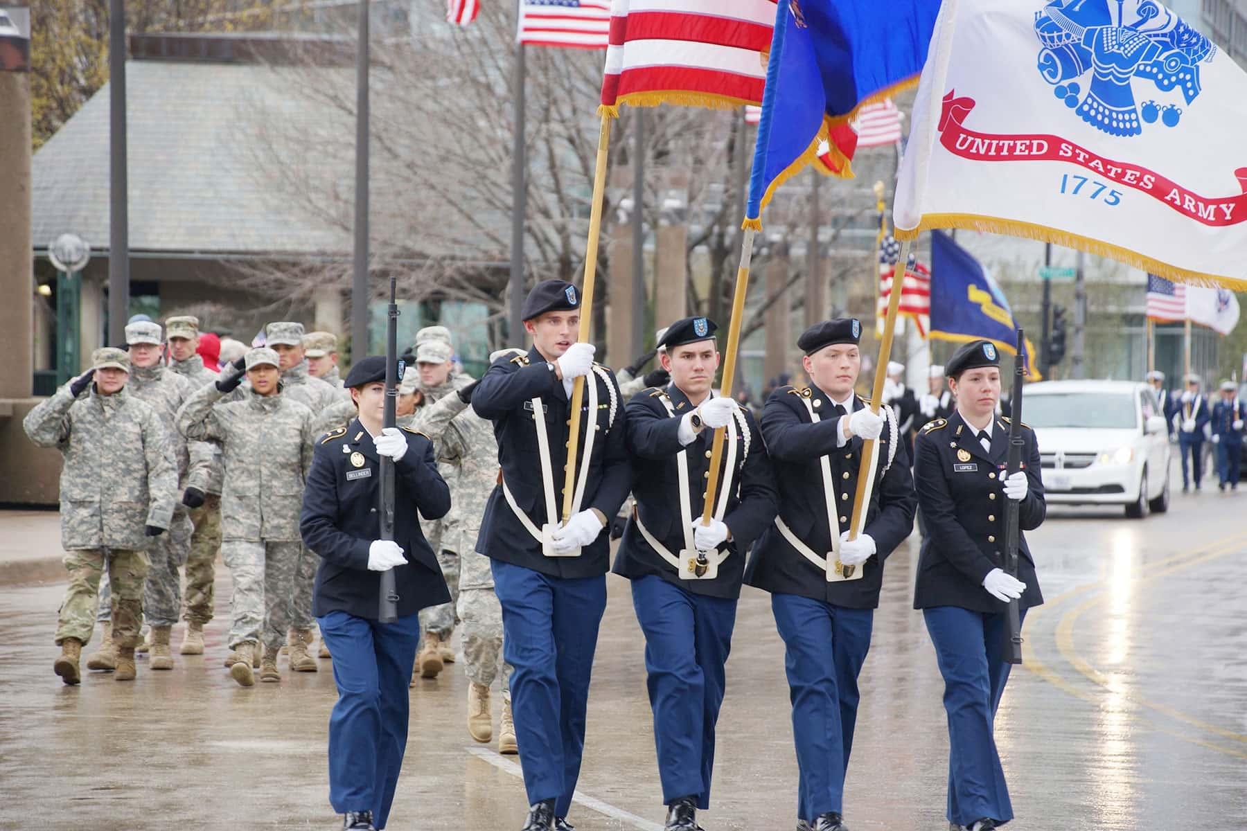 110417_veteransdayparade_1291