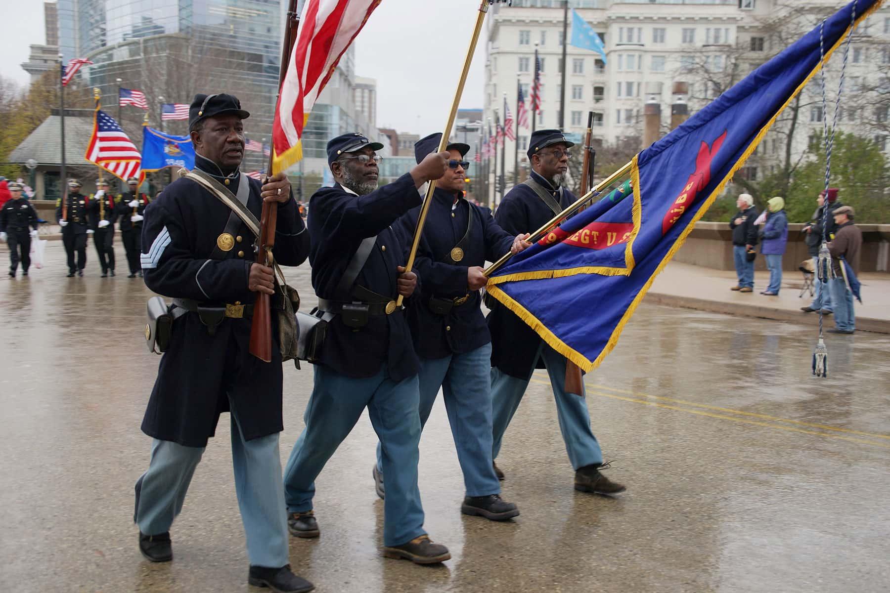 110417_veteransdayparade_1486