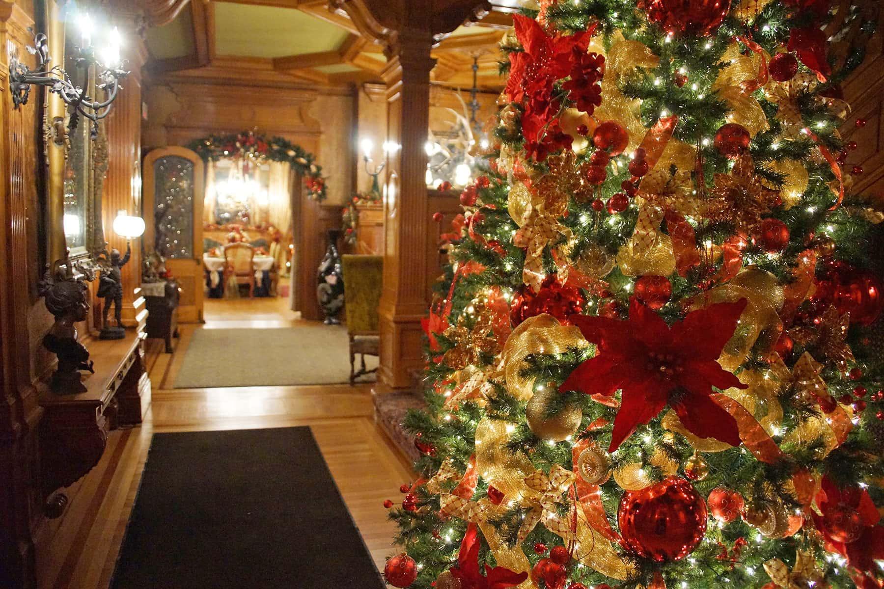 Christmas Tours.Pabst Mansion Decks The Halls For Christmas Twilight Tours