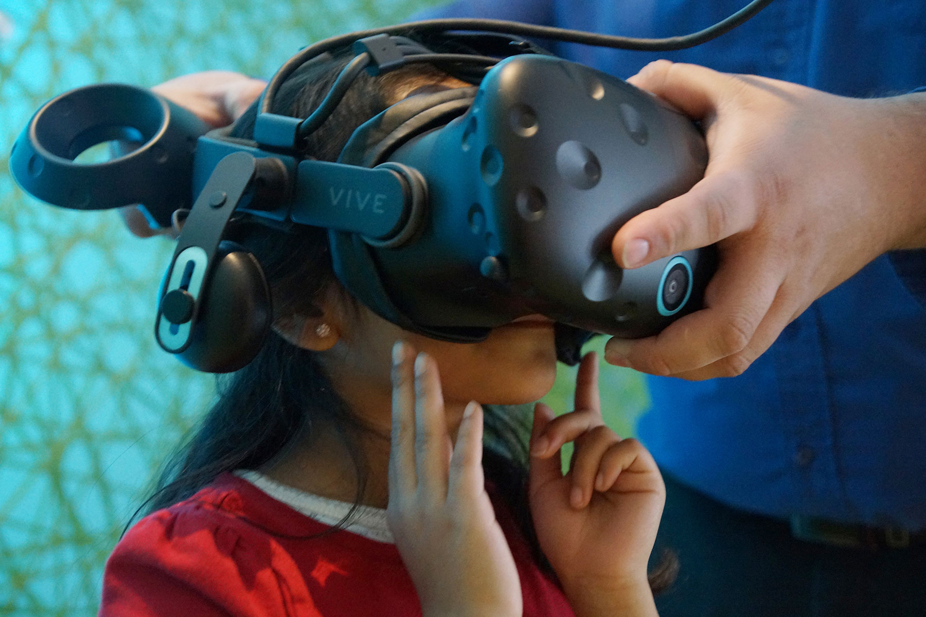 Discovery World's 360° VR exhibit immerses students in simulated journeys | The Milwaukee Independent
