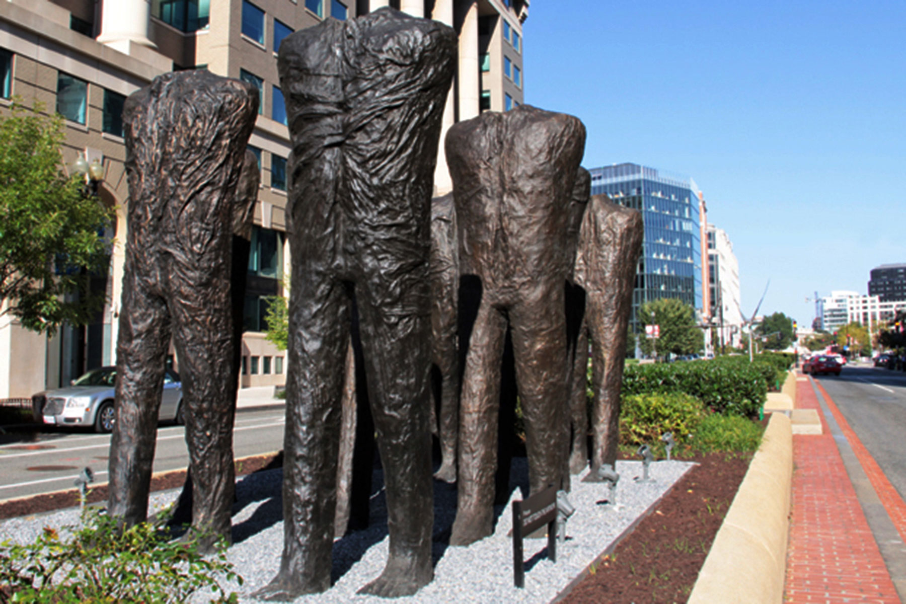 Wisconsin Avenue will see return of Sculpture Milwaukee and world