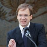 Chris Abele and Microsoft partner to fund expansion of Computer Science in local High Schools