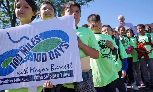Community walk with Mayor Barrett explores murals in Silver City neighborhood