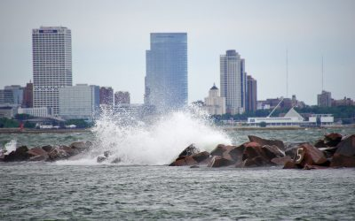 High water levels across Great Lakes prompts warning of safety hazards around Lake Michigan structures