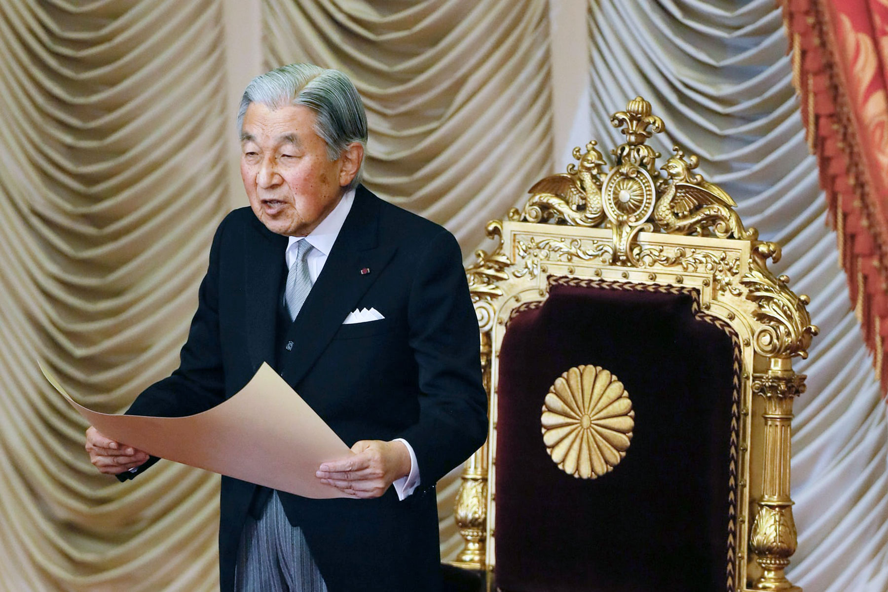 Abdication of Emperor Akihito could trigger Japan's Y2K ...
