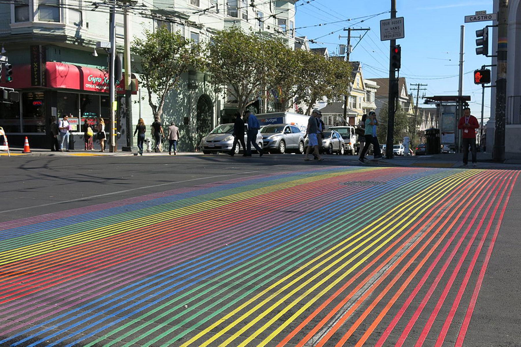 rainbowcrosswalkphoto_02