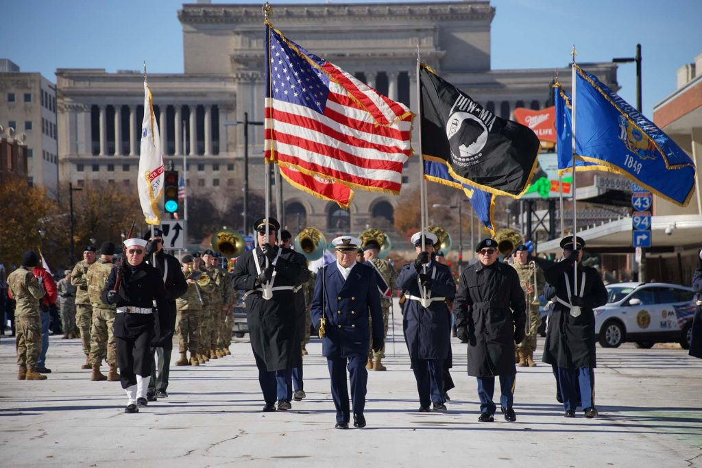 00_111018_veteransdayparade_0638