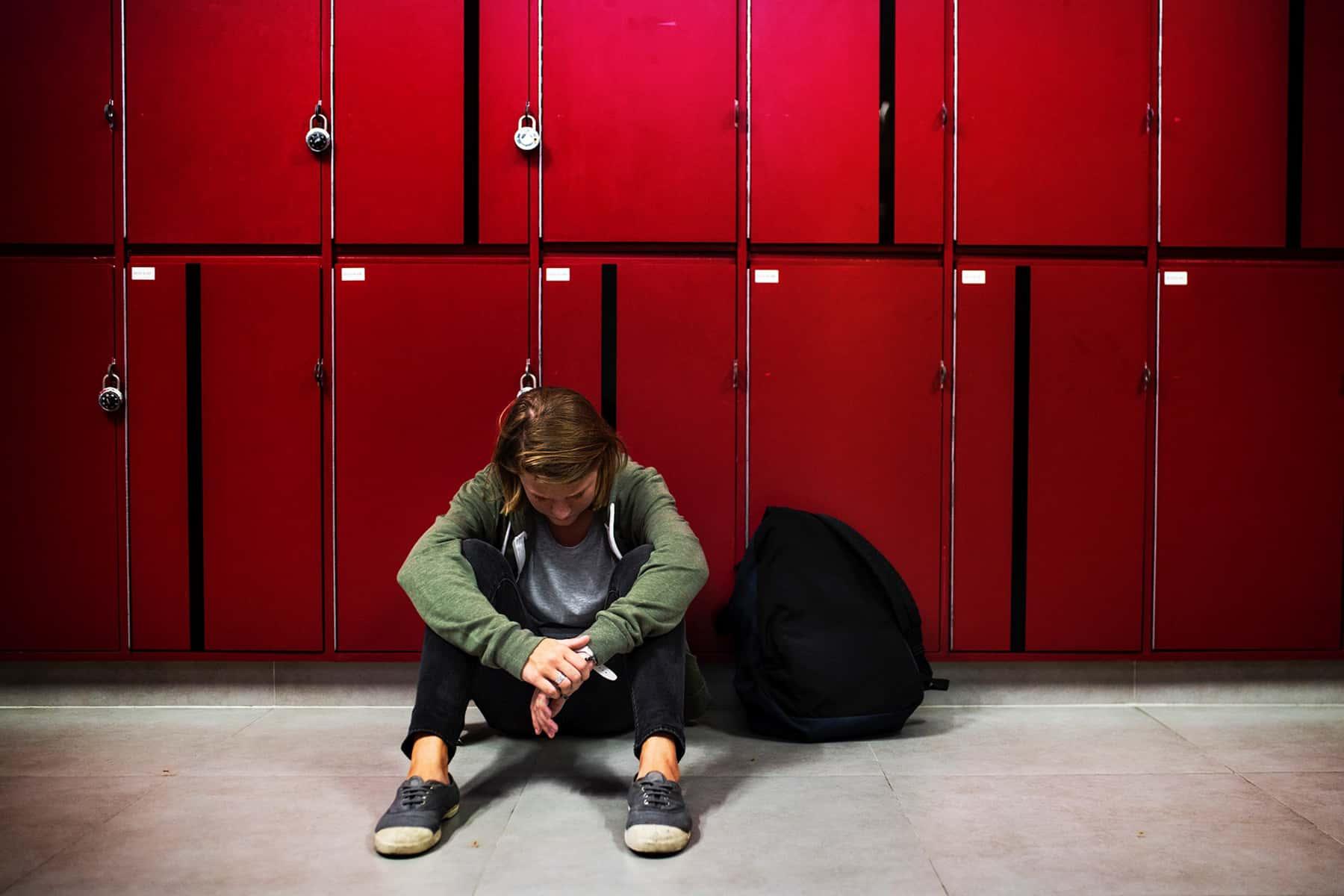 schoolstudentbullyphoto_02