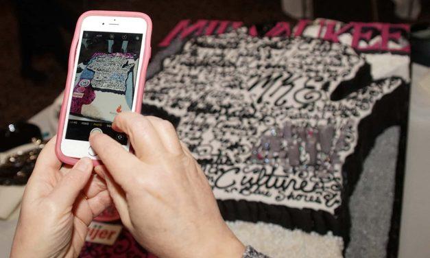 Milwaukee en Vogue: Community braves deep freeze to celebrate city's 173rd birthday