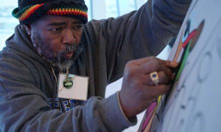 """Veterans Light Up the Arts"" showcases local creative skill and builds community bonds"