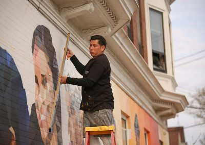 c051219_16thstmural50th_04