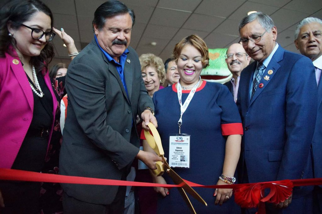 00_071119_ribboncuttinglulac_1511