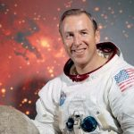 Jim Lovell: The man who circled the moon grew up in Milwaukee as a boy with a passion for rockets