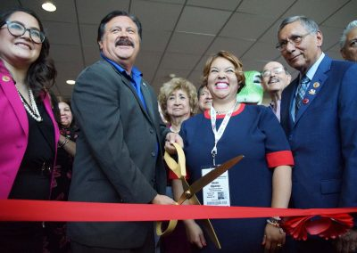 b071119_ribboncuttinglulac_1506
