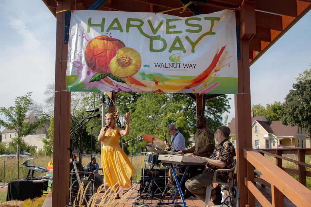 00_091819_harvestday_xtra_09