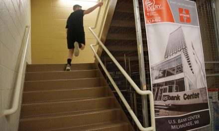 Fight for Air Climb: Hundreds run to top of U.S. Bank Center to raise funds for lung health