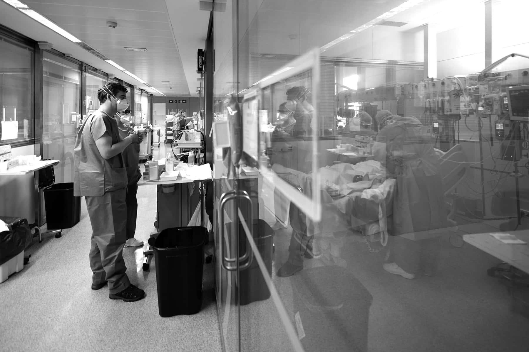 03_041220_hospitalcovid19_franciscoavia_03