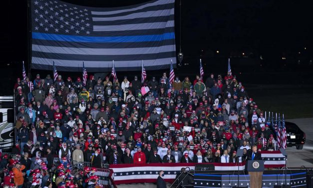 "Controversial ""thin blue line"" flag replaces America's ""Stars and Stripes"" at Trump rally in Waukesha"