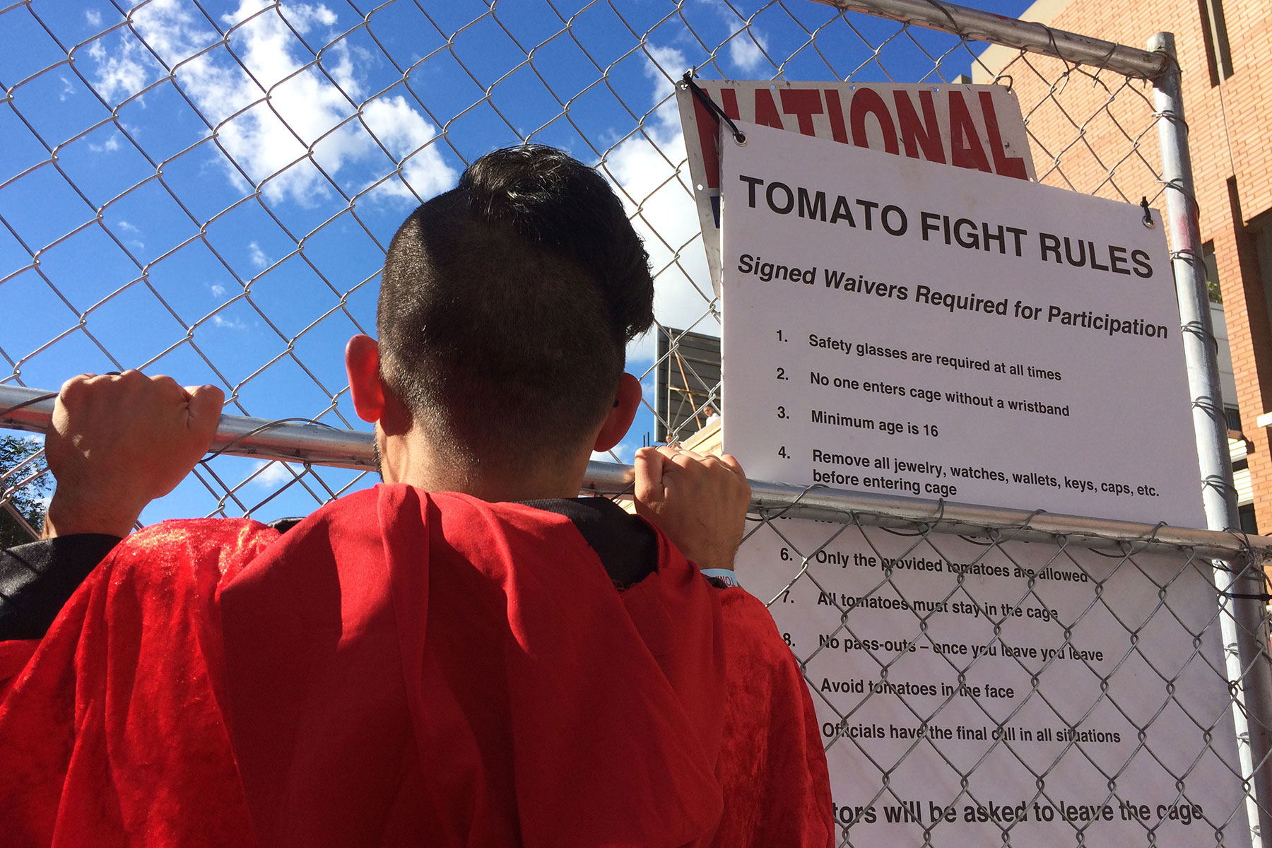 091216_tomato-romp-fights-to-end-hunger-in-east-side-community_014