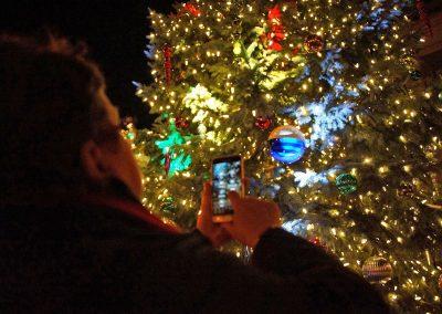 111716_treelighting_0776