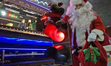 Photo Essay: Holiday Train rides the rails into Milwaukee