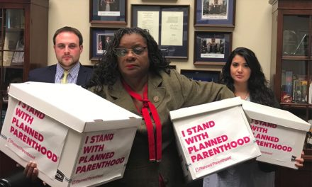 Health care professionals take stand with Planned Parenthood