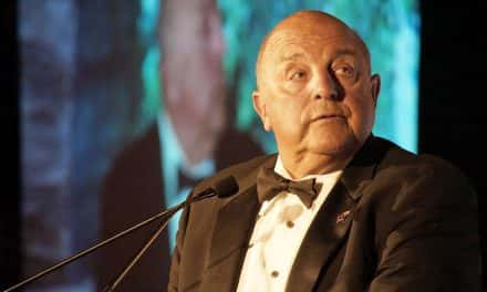 Barry Alvarez honored at gala for Cancer Foundation