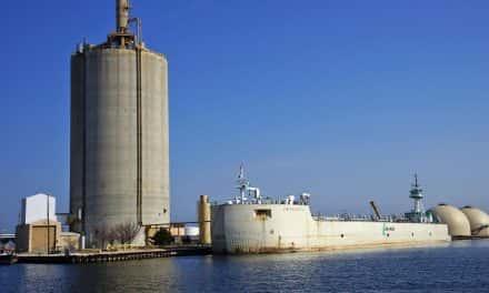 Port Milwaukee bestowed with Robert J. Lewis Pacesetter Award