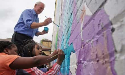 Residents joins Mayor Barrett for special Sherman Park paint day