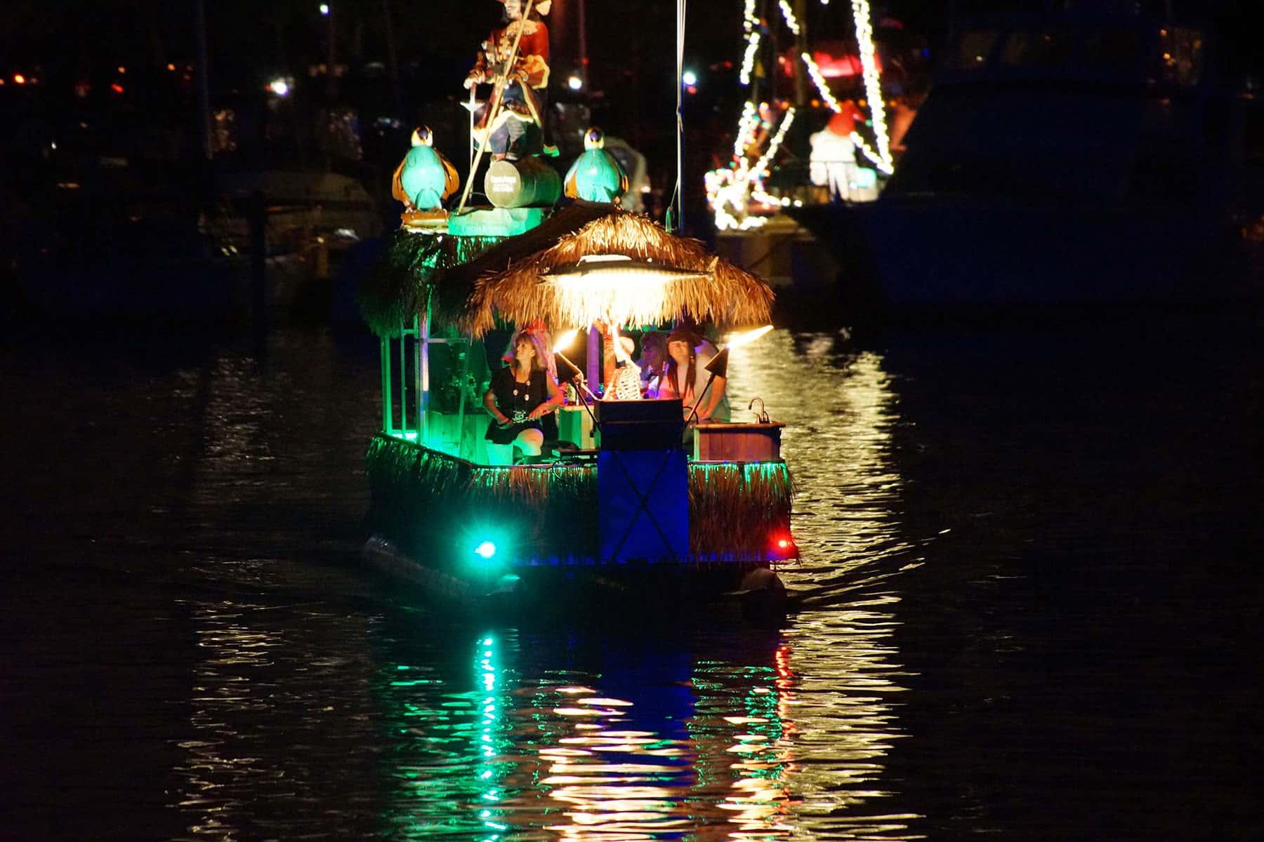 02_081917_venetianboatparade_698