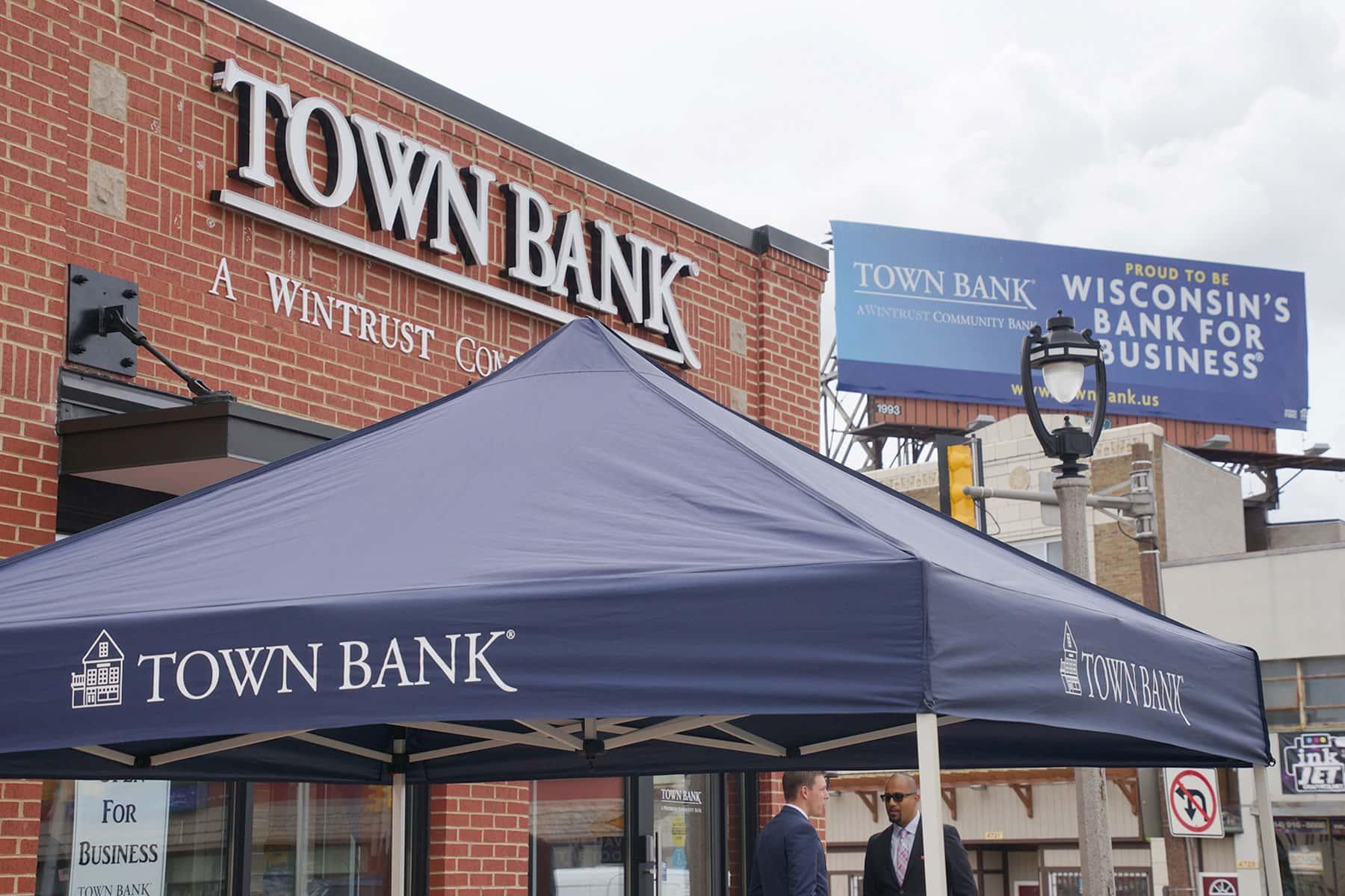 080717_townbank_048