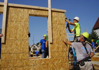 091117_habitatbuild_622