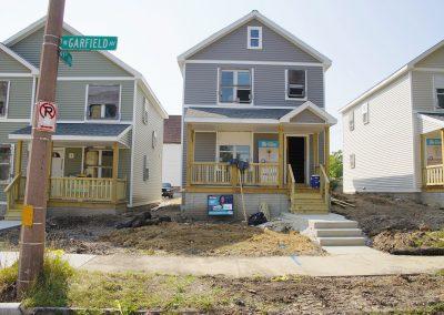 b4_091117_habitatbuild_693