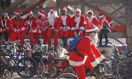 Annual Santa Cycle Rampage fills Milwaukee streets with St. Nick and friends