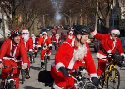 120217_santacyclegingerbread_0120
