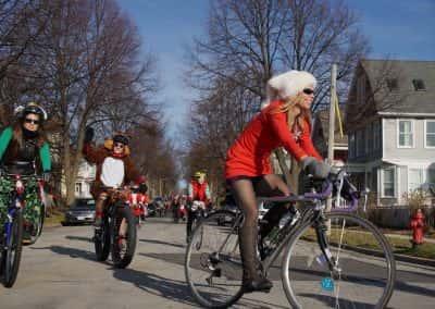 120217_santacyclegingerbread_0196